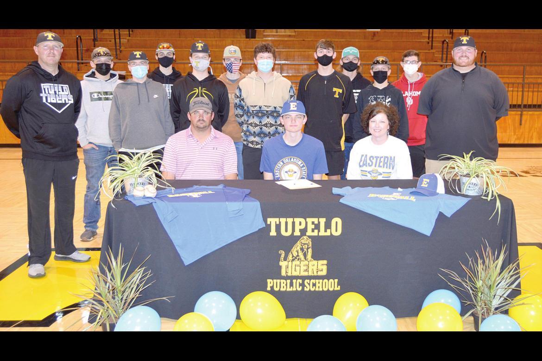 Tupelo senior Bentley Bills signs with Eastern